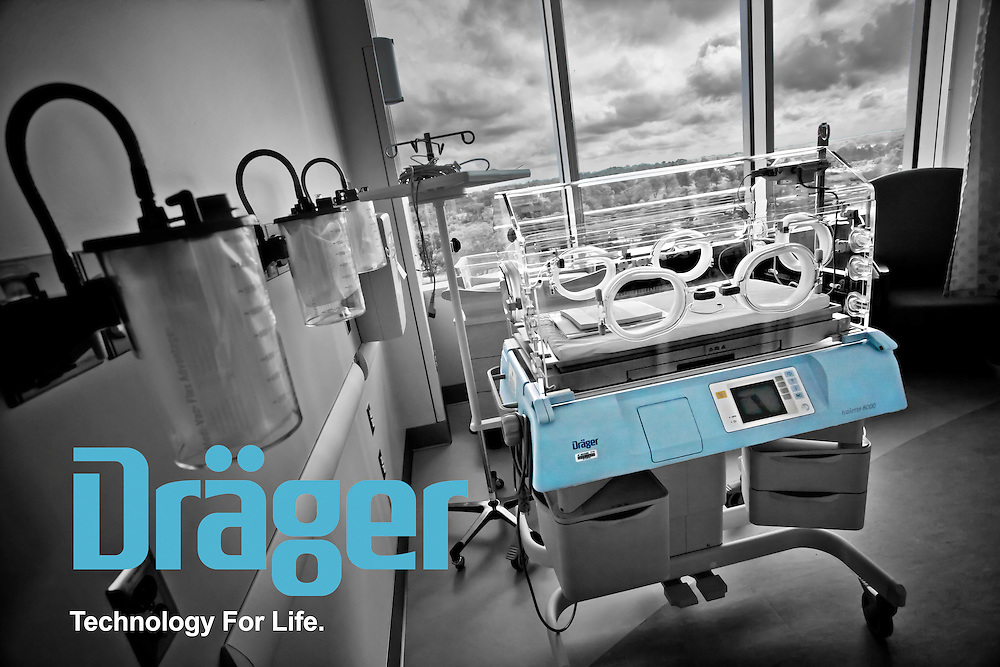 Dräger Isolette 8000. Neonatal intensive care unit (NICU) incubator in the University Medical Center Princeton-Plainsboro, New Jersey.