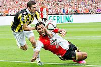 ROTTERDAM - Feyenoord - Vitesse , Voetbal , Seizoen 2015/2016 , Eredivisie , De Kuip , 23-08-2015 , Vitesse speler Arnold Kruiswijk (l) haalt Speler van Feyenoord Colin Kazim-Richards (r) onderuit