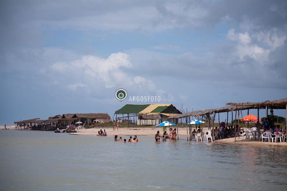Praia da Barra da Siribinha, no litoral norte da Bahia. Polo turistico. /  Barra da Siribinha beach in northern litoral of Bahia state, Brazil. Touristic point