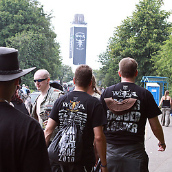 06.08.2010, Wacken Open Air 2010, Wacken, GER, 2.Tag beim 21.Heavy Metal Festival 75.000 Fans stellen ein Dorf auf den Kopf, EXPA Pictures © 2010, PhotoCredit: EXPA/ nph/  Kohring+++++ ATTENTION - OUT OF GER +++++ / SPORTIDA PHOTO AGENCY