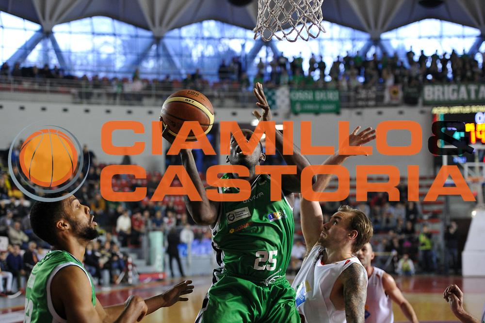 DESCRIZIONE : Roma LNP A2 2015-16 Acea Virtus Roma Mens Sana Basket 1871 Siena<br /> GIOCATORE : Darryl Truck Bryant <br /> CATEGORIA : penetrazione tiro<br /> SQUADRA : Mens Sana Basket 1871 Siena<br /> EVENTO : Campionato LNP A2 2015-2016<br /> GARA : Acea Virtus Roma Mens Sana Basket 1871 Siena<br /> DATA : 06/12/2015<br /> SPORT : Pallacanestro <br /> AUTORE : Agenzia Ciamillo-Castoria/G.Masi<br /> Galleria : LNP A2 2015-2016<br /> Fotonotizia : Roma LNP A2 2015-16 Acea Virtus Roma Mens Sana Basket 1871 Siena