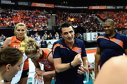03-10-2015 NED: Volleyball European Championship Semi Final Nederland - Turkije, Rotterdam<br /> Nederland verslaat Turkije in de halve finale met ruime cijfers 3-0 / Coach Giovanni Guidetti, Laura Dijkema #14