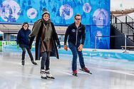 AMSTERDAM - Prins Bernhard van Oranje samen met prinses Annette tijdens De Hollandse 100 op De Coolste Baan in het Olympisch Stadion, een sportief evenement ter ondersteuning van onderzoek naar lymfeklierkanker. ANP ROYAL IMAGES ROBIN UTRECHT
