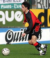 Fotball<br /> Argentina<br /> 02.08.2003<br /> Banfield v Newells<br /> Mauro Rosales<br /> Foto: Digitalsport