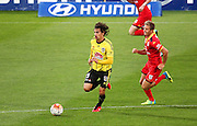 Phoenix' Albert Riera runs with the ball during the Round 22 A-League football match - Wellington Phoenix V Adelaide United at Westpac Stadium, Wellington. Saturday 5th March 2016. Copyright Photo.: Grant Down / www.photosport.nz