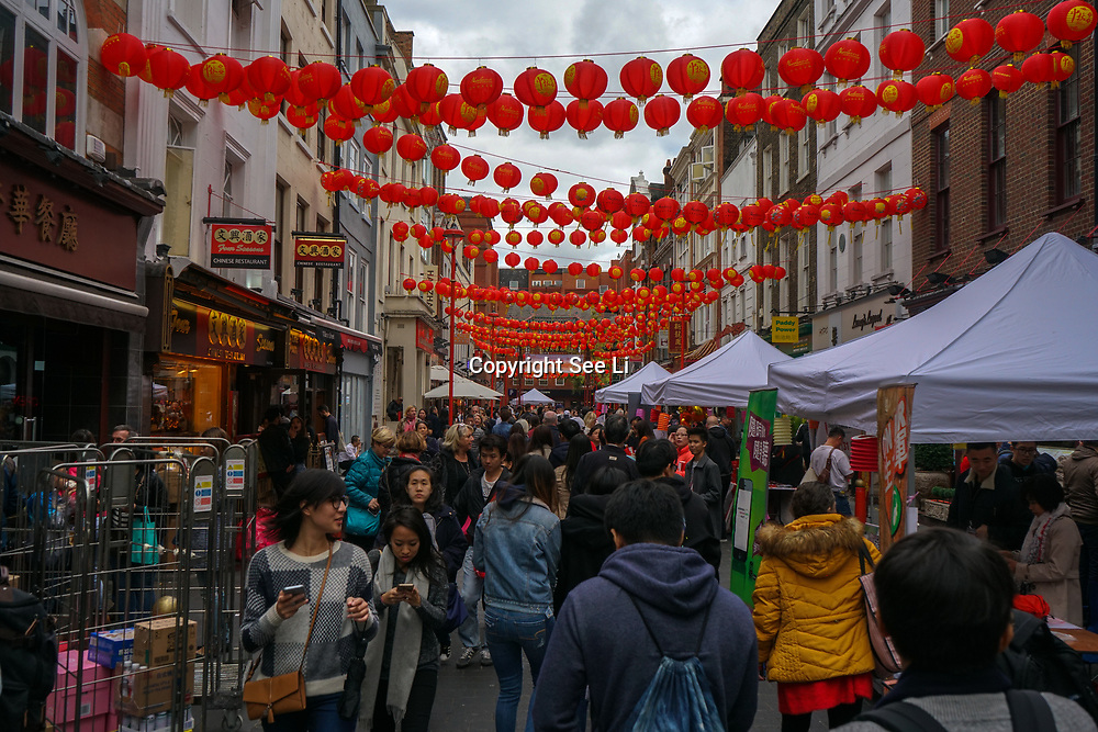 Chinatown, London, England, UK. 7th October 2017. Hundreds attended Moon Festival 2017 also known as Mid-Autumn Festival 2017 a tradition celebration for Chinese people all over the globe.