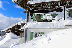 THEMENBILD - In der Steiermark gab es Anfang Jänner heftige Schneefälle und Sturm, auf die am 11. Jänner ein Schönwettertag folgte. Hier im Bild der Pernerhof, auch Emilies Hof genannt, Filmkulisse in der ZDF-Fernsehserie Die Bergretter, aufgenommen am Freitag 11. Jänner 2019 in Ramsau am Dachstein, Steiermark // In Styria at the beginning of January there were heavy snowfalls and storms, followed by a fine weather day on January 11th. Pernerhof, also called Emilie's farm, film set in the ZDF television series Die Bergretter, pictured on Friday January 11th 2019 in Ramsau am Dachstein, Steiermark. EXPA Pictures © 2019, PhotoCredit: EXPA/ Martin Huber