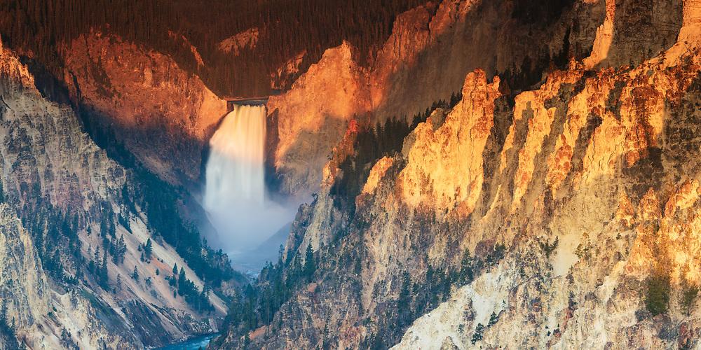 https://duncan.co/lower-falls-yellowstone