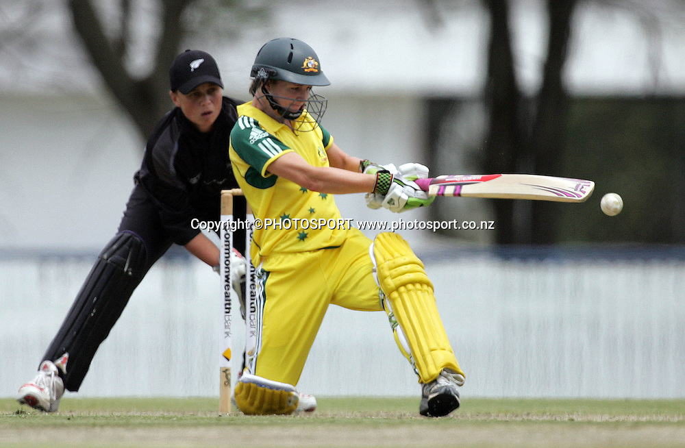Australia's Leah Poulton pulls during the fourth ODI Rose Bowl cricket match between the White Ferns and Australia at Allan Border Field, Brisbane, Australia, on Thursday 26 October 2006. Australia won the match by 85 runs with a total of 252. Photo: Renee McKay/PHOTOSPORT<br /><br /><br />261006