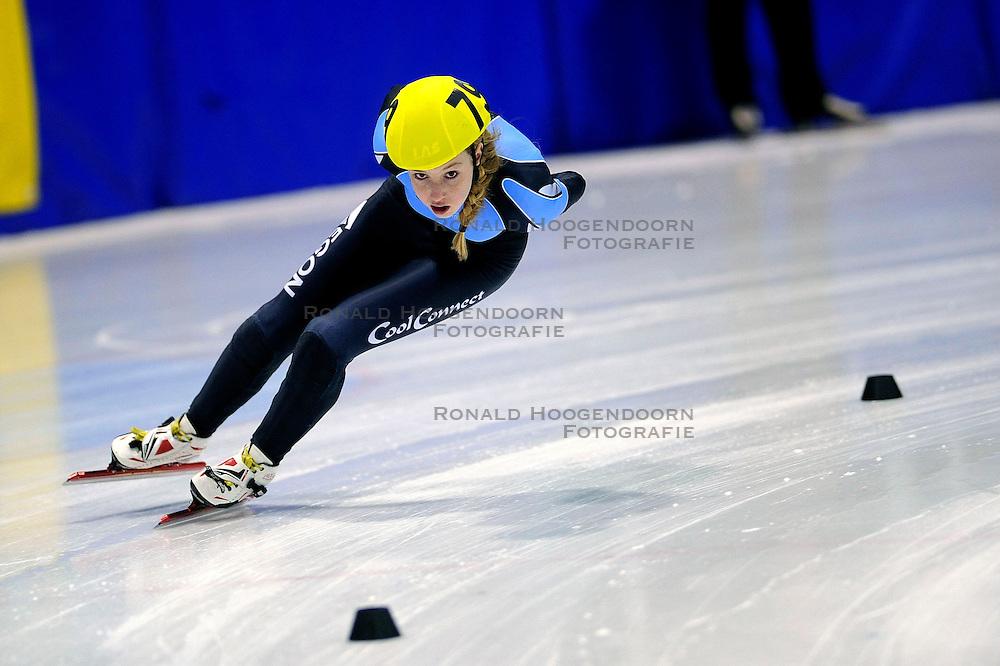 22-03-2009 SHORTTRACK: NK SHORTTRACK: ZOETERMEER<br /> Lara van Ruijven, Meisje junior B<br /> &copy;2009-WWW.FOTOHOOGENDOORN.NL