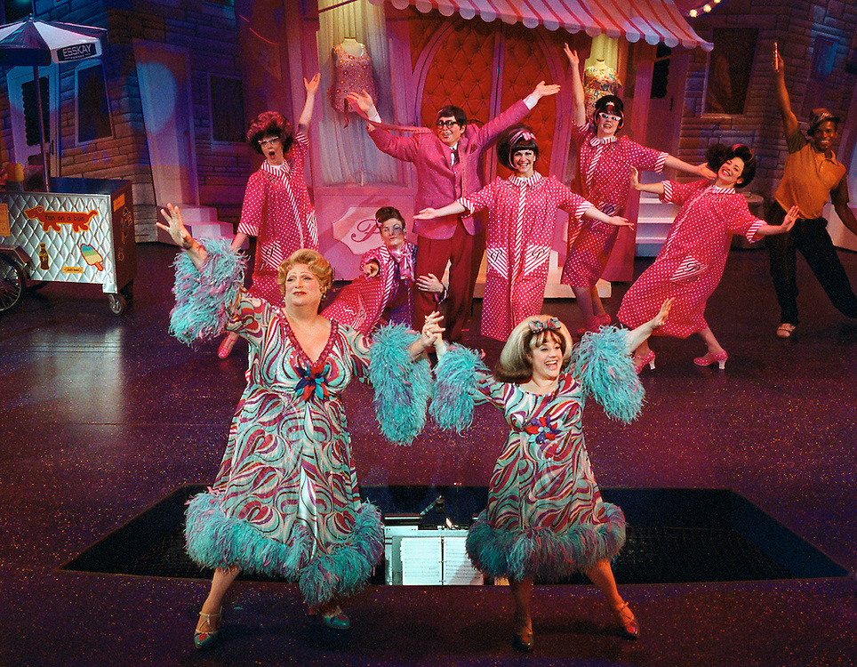 Hairspray .Harvey Fierstein as Edna Turnblad, left.Marissa Jaret Winokur as Tracy Turnblad, right.CREDIT PHOTO ©PAUL KOLNIK.nyc 212-362-7778