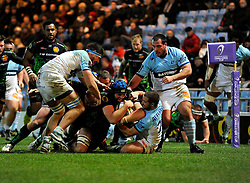 Exeter Chiefs' Lock, Dean Mumm scores a try  - Photo mandatory by-line: Joe Meredith/JMP - Mobile: 07966 386802 - 24/01/2015 - SPORT - Rugby - Exeter - Sandy Park Stadium - Exeter Chiefs v Bayonne - Challenge Cup Round 6