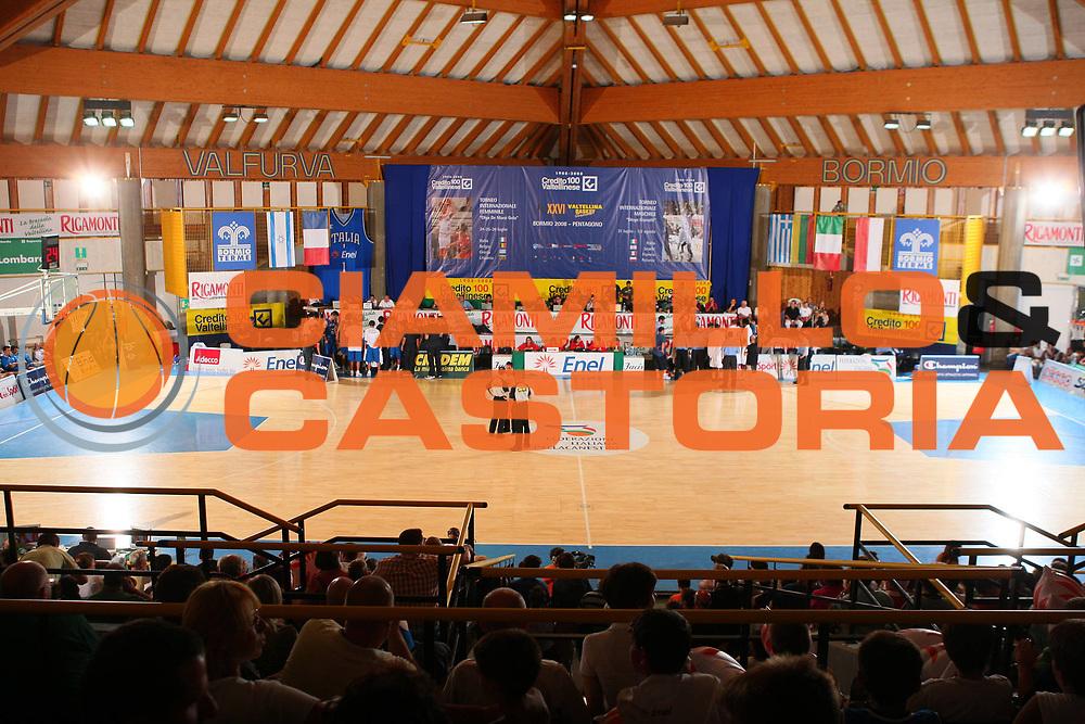 DESCRIZIONE : Bormio Torneo Internazionale Maschile Diego Gianatti Italia Francia <br /> GIOCATORE : Tifosi Arena Pentagono Panoramica <br /> SQUADRA : Nazionale Italia Uomini Italy <br /> EVENTO : Raduno Collegiale Nazionale Maschile <br /> GARA : Italia Francia Italy France <br /> DATA : 02/08/2008 <br /> CATEGORIA : <br /> SPORT : Pallacanestro <br /> AUTORE : Agenzia Ciamillo-Castoria/S.Silvestri <br /> Galleria : Fip Nazionali 2008 <br /> Fotonotizia : Bormio Torneo Internazionale Maschile Diego Gianatti Italia Francia <br /> Predefinita :