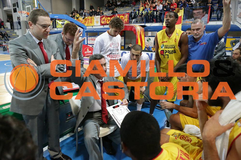 DESCRIZIONE : Frosinone Lega Basket A2  eurobet 2012-13  Prima Veroli Novipi&ugrave; Casale Monferrato<br /> GIOCATORE : team Franco Marcelletti<br /> CATEGORIA : time out<br /> SQUADRA : Prima Veroli<br /> EVENTO : Lega Basket A2  eurobet 2012-13 <br /> GARA : Prima Veroli Novipi&ugrave; Casale Monferrato<br /> DATA : 18/11/2012<br /> SPORT : Pallacanestro <br /> AUTORE : Agenzia Ciamillo-Castoria/ M.Simoni<br /> Galleria : Lega Basket A2 2012-2013 <br /> Fotonotizia : Frosinone Lega Basket A2  eurobet 2012-13  Prima Veroli Novipi&ugrave; Casale Monferrato<br /> Predefinita :