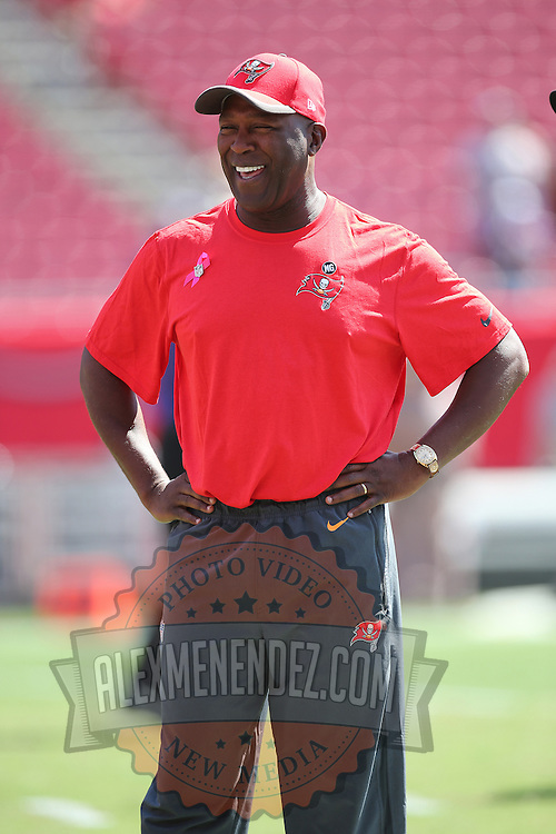 TAMPA, FL - OCTOBER 12:  Buccaneers head coach Lovie Smith is seen prior to an NFL football game at Raymond James Stadium on October 12, 2014 in Tampa, Florida. (Photo by Alex Menendez/Getty Images) *** Local Caption *** Lovie Smith