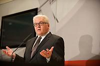 DEU, Deutschland, Germany, Berlin, 13.12.2011:<br />Der Vorsitzende der SPD-Bundestagsfraktion Frank-Walter Steinmeier (SPD) w&auml;hrend eines Pressestatements vor Beginn der SPD-Fraktionssitzung im Deutschen Bundestag.