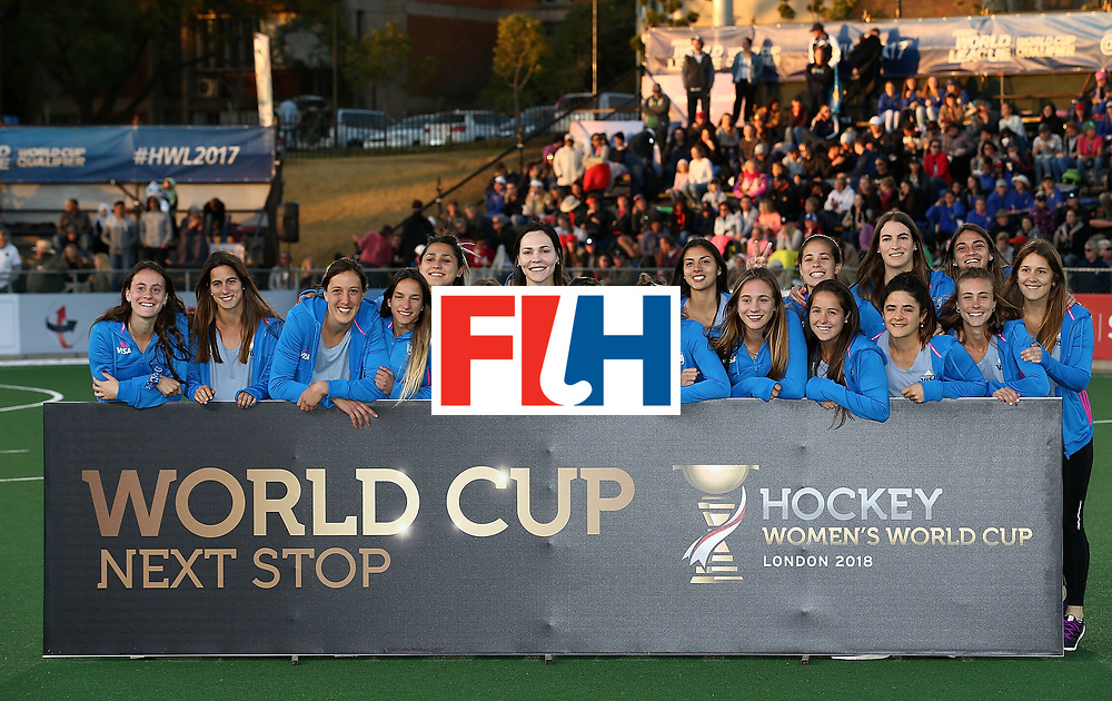 JOHANNESBURG, SOUTH AFRICA - JULY 23:  Argentina players pose after securing world cup qualification during day 9 of the FIH Hockey World League Women's Semi Finals at Wits University on July 23, 2017 in Johannesburg, South Africa.  (Photo by Jan Kruger/Getty Images for FIH)