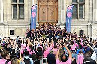illustration supporters  - 15.06.2015 - Presentation du bouclier de Brennus par les joueurs du Stade Francais a l'Hotel de Ville - Paris <br /> Photo : Nolwenn Le Gouic / Icon Sport