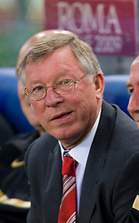 ROME, ITALY - Tuesday, May 26, 2009: Manchester United's manager Alex Ferguson during the UEFA Champions League Final against Barcelona at the Stadio Olimpico. (Pic by Carlo Baroncini/Propaganda)