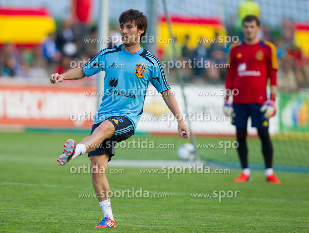 24.05.2012, Haus des Gastes, Schruns, AUT, UEFA EURO 2012, Trainingslager, Spanien, Nachmittagstraining, im Bild David Silva (ESP) //  David Silva of Spain during practice session of Spanish National Footballteam for preparation UEFA EURO 2012 at Haus des Gastes, Schruns, Austria on 2012/05/24. EXPA Pictures © 2012, PhotoCredit: EXPA/ Johann Groder