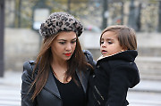 Kourtney Kardashian with her husband Scott Disick and son Mason are spotted filming their reality show, they going to the 'Pont des Arts', lunching to 'L'Avenue' Restaurant and shopping on the Francois 1er Street in Paris, France on November 12, 2012. Photo by ABACAPRESS.COM  Paparazzi Pictures Planque Stake Out  | 341856_011