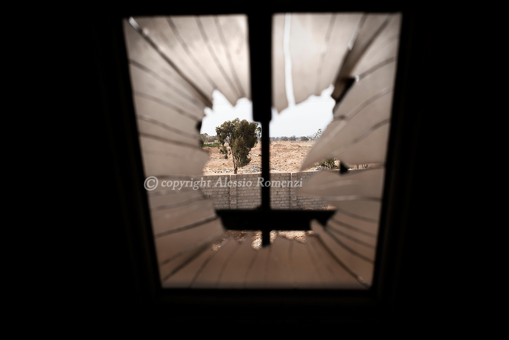 Libya: View of the west frontline between Libya's Government of National Accord's (GNA) forces and ISIS in Sirte. Alessio Romenzi
