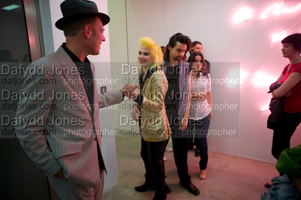 PAUL SIMONON; PAM HOGG,, Tracey Emin opening. White Cube. Mason's Yard. London. 28 May 2009.