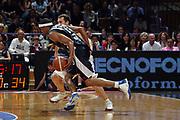 DESCRIZIONE : Bologna Lega A1 2006-07 VidiVici Virtus Bologna Eldo Napoli <br /> GIOCATORE : Morandais Tecnica Palleggio<br /> SQUADRA : Eldo Napoli <br /> EVENTO : Campionato Lega A1 2006-2007 <br /> GARA : VidiVici Virtus Bologna Eldo Napoli <br /> DATA : 21/04/2007 <br /> CATEGORIA : Tecnica Palleggio  <br /> SPORT : Pallacanestro <br /> AUTORE : Agenzia Ciamillo-Castoria/M.Marchi