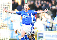 Harris for Millwall celebrates his goal