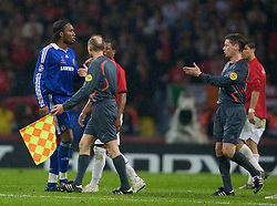 MOSCOW, RUSSIA - Wednesday, May 21, 2008: Chelsea's Didier Drogba walks off after being sent off against Manchester United during the UEFA Champions League Final at the Luzhniki Stadium. (Photo by David Rawcliffe/Propaganda)