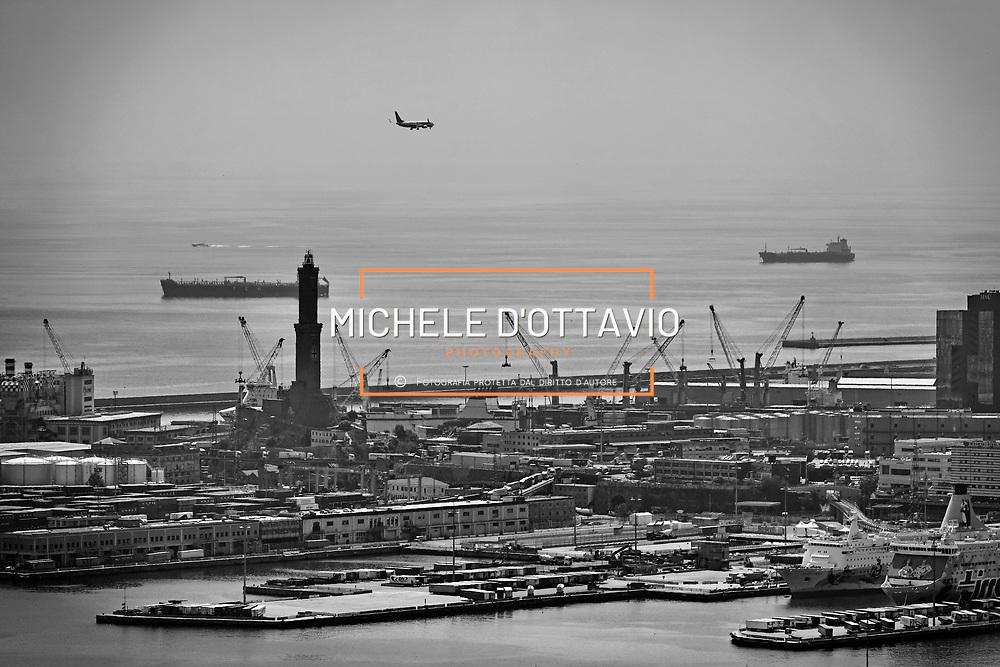 Porto Antico di Genova, veduta panoramica della città 22/06/17