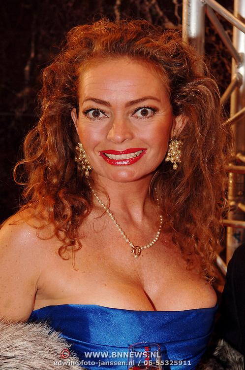 NLD/Amsterdam/20051128 - Uitreiking Beau Monde Awards 2005, Patty Wakker
