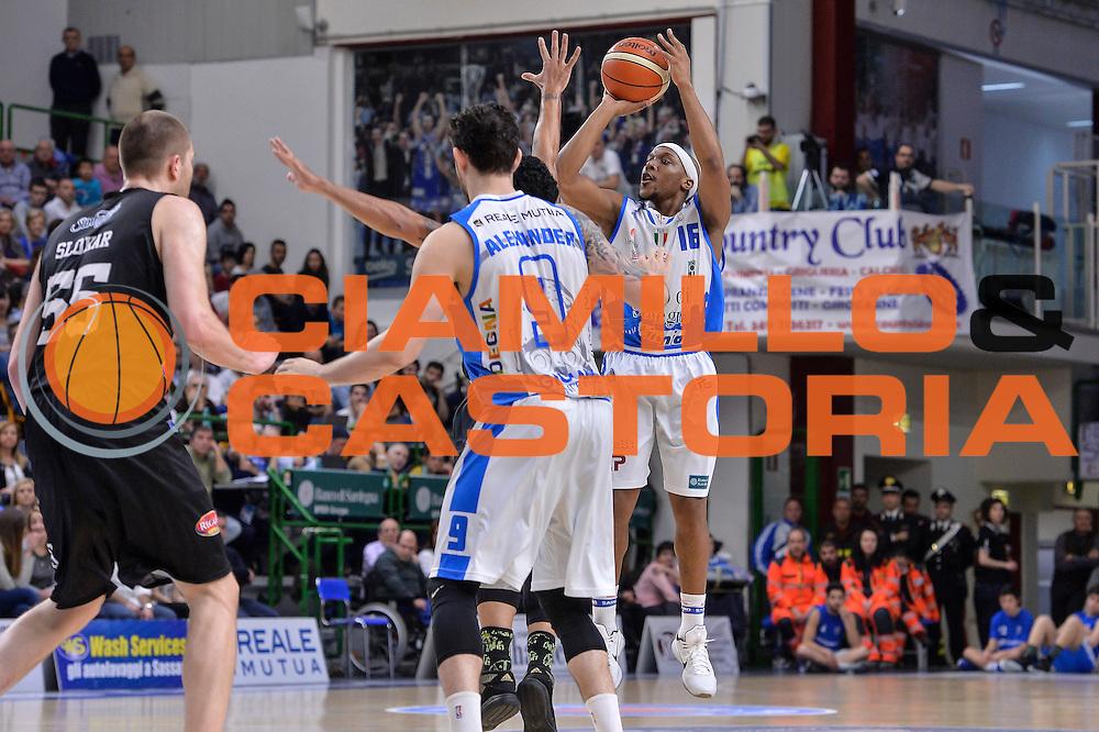 DESCRIZIONE : Beko Legabasket Serie A 2015- 2016 Dinamo Banco di Sardegna Sassari - Pasta Reggia Juve Caserta<br /> GIOCATORE : Josh Akognon<br /> CATEGORIA : Tiro Tre Punti Three Point<br /> SQUADRA : Dinamo Banco di Sardegna Sassari<br /> EVENTO : Beko Legabasket Serie A 2015-2016<br /> GARA : Dinamo Banco di Sardegna Sassari - Pasta Reggia Juve Caserta<br /> DATA : 03/04/2016<br /> SPORT : Pallacanestro <br /> AUTORE : Agenzia Ciamillo-Castoria/L.Canu