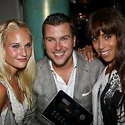 NLD/Amsterdam/20110823 - Presentatie Samsung Galaxy Tab, Kimberly Klaver, Winston Gerstanowitz en Glennis Grace