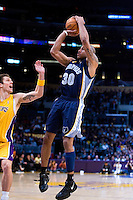 27 March 2007: Guard Dahntay Jones of the Memphis Grizzlies shoots the ball against the Los Angeles Lakers during the first half of the Grizzlies 88-86 victory over the Lakers at the STAPLES Center in Los Angeles, CA.