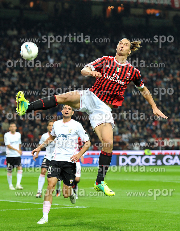 15.10.2011, Giuseppe-Meazza-Stadion, Mailand, ITA, Serie A, AC Mailand vs US Palermo, im Bild Zlatan IBRAHIMOVIC (Milan). // during Serie A football match between AC Mailand and US Palermo at Giuseppe Meazza Stadium, Milan, Italy on 15/10/2011. EXPA Pictures © 2011, PhotoCredit: EXPA/ InsideFoto/ Alessandro Sabattini +++++ ATTENTION - FOR AUSTRIA/(AUT), SLOVENIA/(SLO), SERBIA/(SRB), CROATIA/(CRO), SWISS/(SUI) and SWEDEN/(SWE) CLIENT ONLY +++++