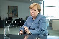 09 OCT 2017, BERLIN/GERMANY:<br /> Angela Merkel, CDU, Bundeskanzlerin, waehrend einem Interview, in ihrem Buero, Bundeskanzleramt<br /> IMAGE: 20171009-01-005<br /> KEYWORDS: B&uuml;ro