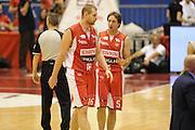 DESCRIZIONE : Milano  Lega A 2011-12 EA7 Emporio Armani Milano Scavolini Siviglia Pesaro play off semifinale gara 2<br /> GIOCATORE : Tautyvdas Lydeka<br /> CATEGORIA : fair play<br /> SQUADRA : Scavolini Siviglia Pesaro<br /> EVENTO : Campionato Lega A 2011-2012 Play off semifinale gara 2 <br /> GARA : EA7 Emporio Armani Milano Scavolini Siviglia Pesaro<br /> DATA : 31/05/2012<br /> SPORT : Pallacanestro <br /> AUTORE : Agenzia Ciamillo-Castoria/ GiulioCiamillo<br /> Galleria : Lega Basket A 2011-2012  <br /> Fotonotizia : Milano  Lega A 2011-12 EA7 Emporio Armani Milano Scavolini Siviglia Pesaro play off semifinale gara 2<br /> Predefinita :