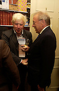 Boris Johnson and Sir David Frost. Spectator party. Doughty St. London. 28 July 2005. ONE TIME USE ONLY - DO NOT ARCHIVE  © Copyright Photograph by Dafydd Jones 66 Stockwell Park Rd. London SW9 0DA Tel 020 7733 0108 www.dafjones.com