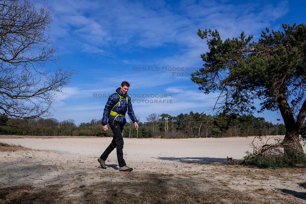 18-03-2018 NED: We hike to change diabetes, Soest<br /> Training voor de Camino 2018 op de Soesterduinen / Bas