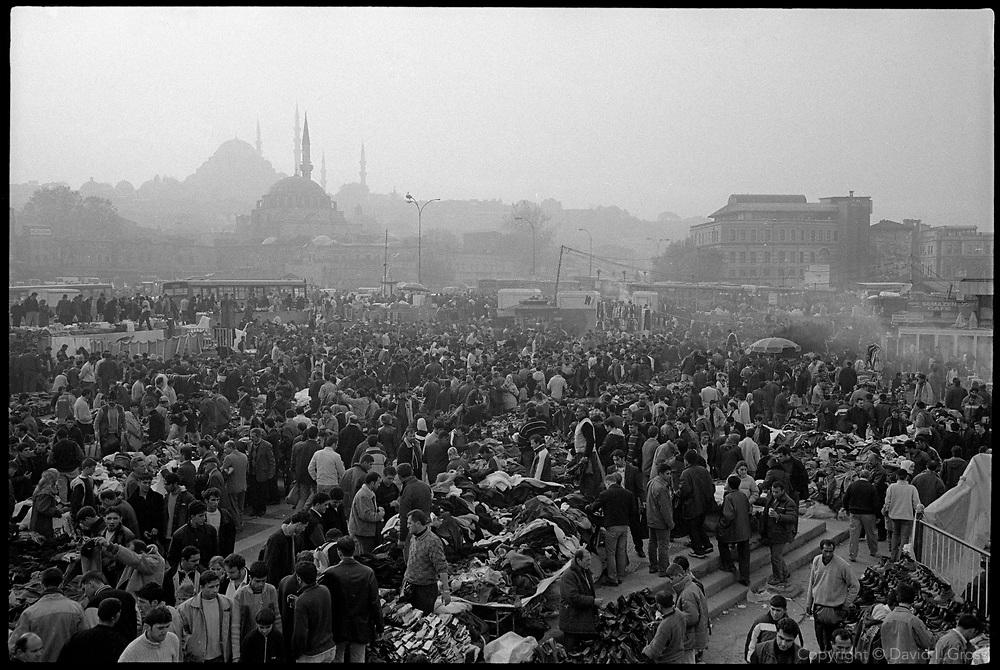 The marketplace in the Eminu?nu? neighborhood of Istanbul, Turkey.