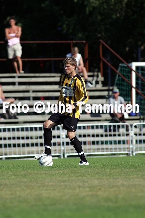 16.07.2005, Tapiola, Espoo, Finland..Ykk?nen, FC Honka v Mikkelin Palloilijat.Tomi Nyman - Honka.©Juha Tamminen.....ARK:k