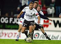 Fotball, 22. september 2003, Tippeligaen,  Sogndal-Viking 2-2, Håvard Flo, Sogndal, og Brede Hangeland, Viking