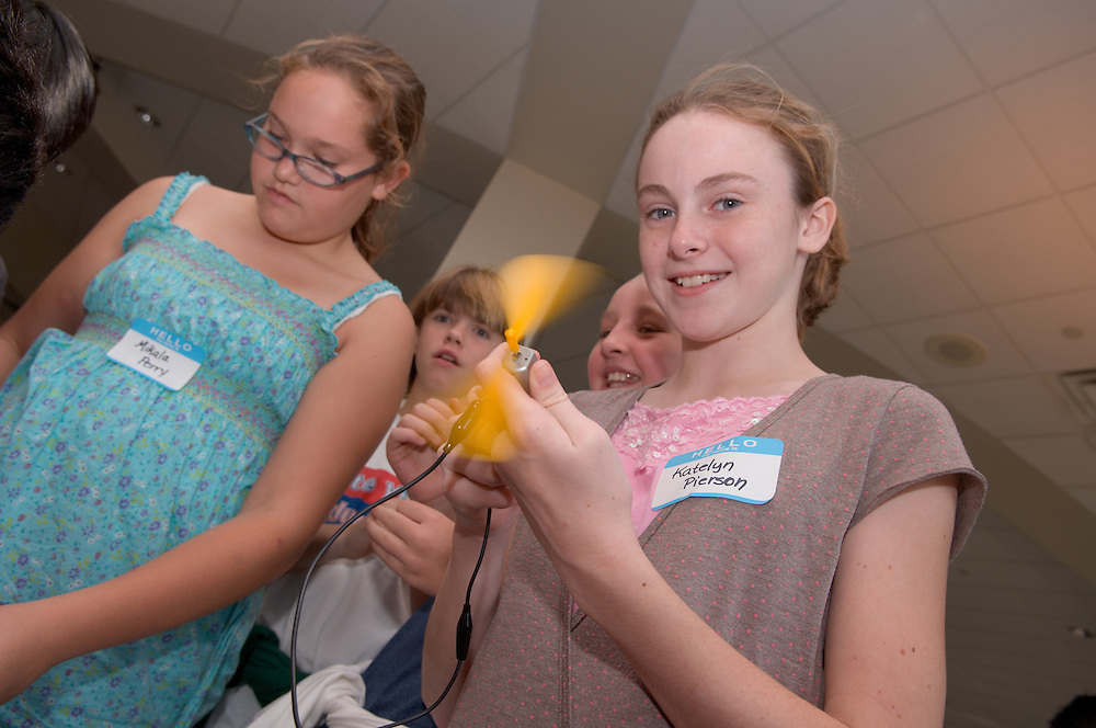 Mikala Perry, Katelyn Pierson.Students from Morrison Elementary, Mrs. Conroy's 5th grade class....Energy Days: over 1,000 kids in grades 3-6 at the Ping Center on .Wednesday and Thursday of next week (10/4 & 5) to learn about energy, .alternative energy and resource conservation.