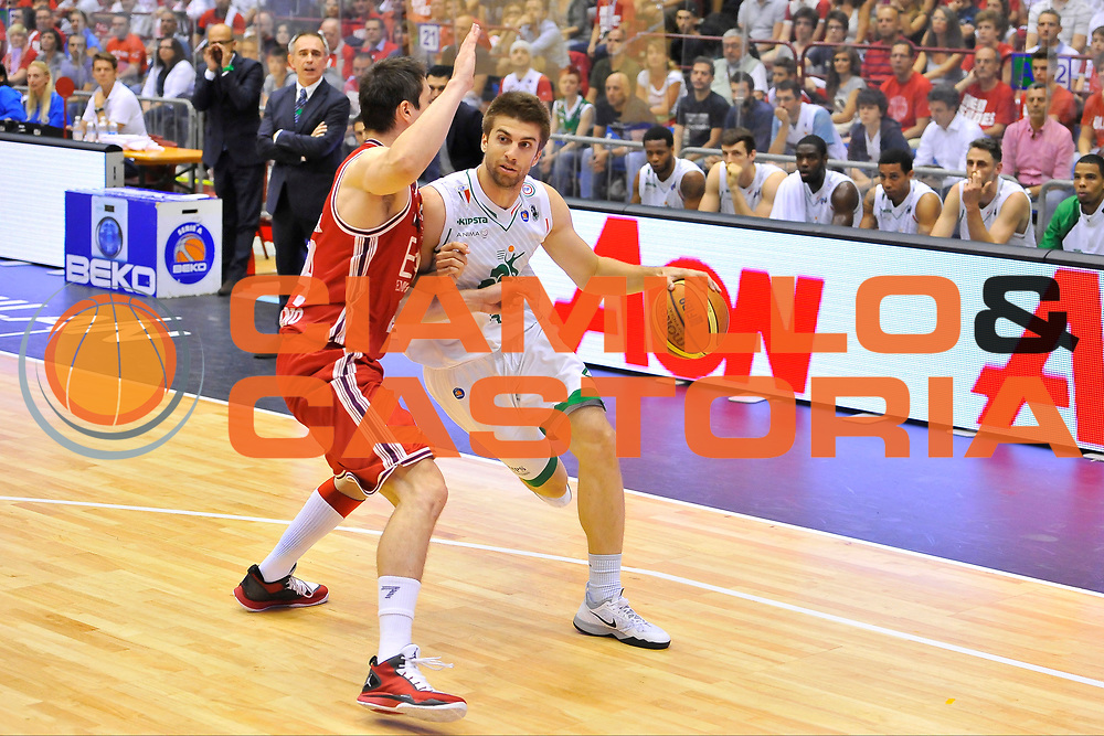 DESCRIZIONE : Campionato 2013/14 Finale GARA 1 Olimpia EA7 Emporio Armani Milano - Montepaschi Mens Sana Siena<br /> GIOCATORE : Jeff Viggiano<br /> CATEGORIA : Palleggio Penetrazione<br /> SQUADRA : Montepaschi Siena<br /> EVENTO : LegaBasket Serie A Beko Playoff 2013/2014<br /> GARA : Olimpia EA7 Emporio Armani Milano - Montepaschi Mens Sana Siena<br /> DATA : 15/06/2014<br /> SPORT : Pallacanestro <br /> AUTORE : Agenzia Ciamillo-Castoria / Luigi Canu<br /> Galleria : LegaBasket Serie A Beko Playoff 2013/2014<br /> Fotonotizia : DESCRIZIONE : Campionato 2013/14 Finale GARA 1 Olimpia EA7 Emporio Armani Milano - Montepaschi Mens Sana Siena<br /> Predefinita :