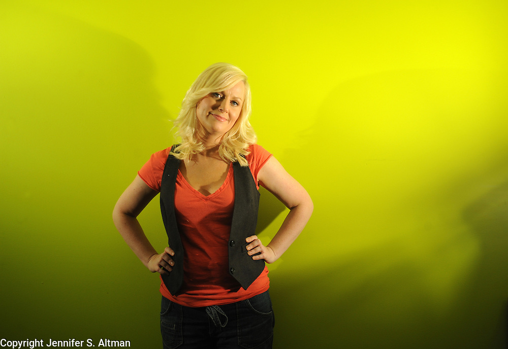 MANHATTAN, NEW YORK MAY 20. 2009 Actress/comedian Amy Poehler, who stars in the new show Parks and Recreation, is seen in Manhattan, NY. 5/20/2009 Photo by Jennifer S. Altman/For The Times