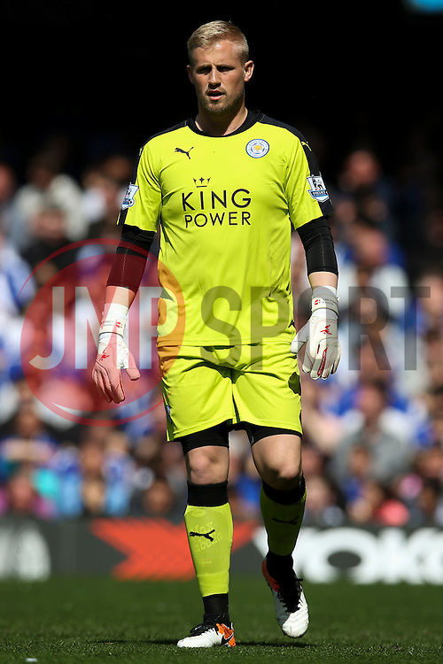 Kasper Schmeichel of Leicester City - Mandatory byline: Jason Brown/JMP - 15/05/2016 - FOOTBALL - London, Stamford Bridge - Chelsea v Leicester City - Barclays Premier League
