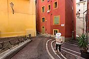 Ruelle du quartier du vieux Nice // Street of old town of Nice