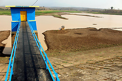 October 4, 2018 - Madiun, East Java, Indonesia - The long dry season caused the water discharge in the Dawuhan Dam in Madiun District to continue to shrink. As a result, the 2,823 hectare dam is now no longer able to irrigate thousands of hectares of farmers' rice fields during the long dry season this year (Credit Image: © Ajun Ally/Pacific Press via ZUMA Wire)