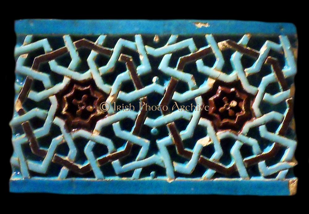 Glazed ceric tile from Uzbekistan, Bukhara or Samarkand. 1370 - 1507 AD Islamic geometric design